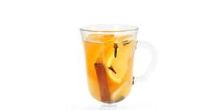 herbata z pomarańczą imbirem i goździkami